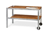 Массивный деревянный стол с корпусом из оцинкованной стали
